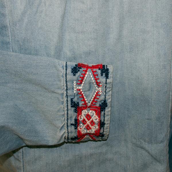 刺繍ダンガリーデニムシャツ