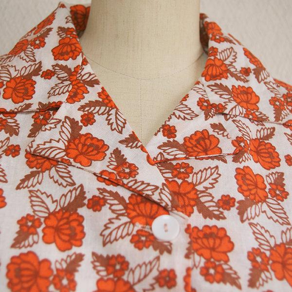 レトロ花柄半袖シャツ