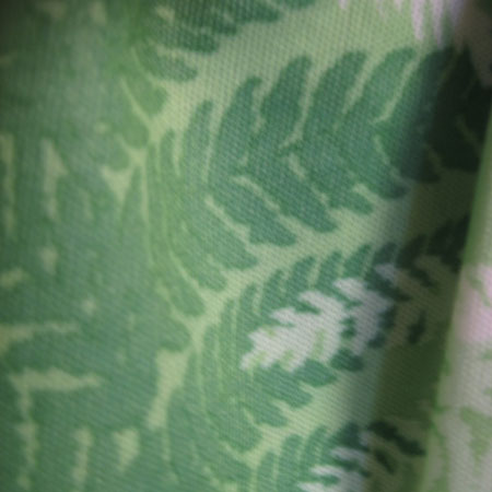 葉っぱ柄長袖ワンピース