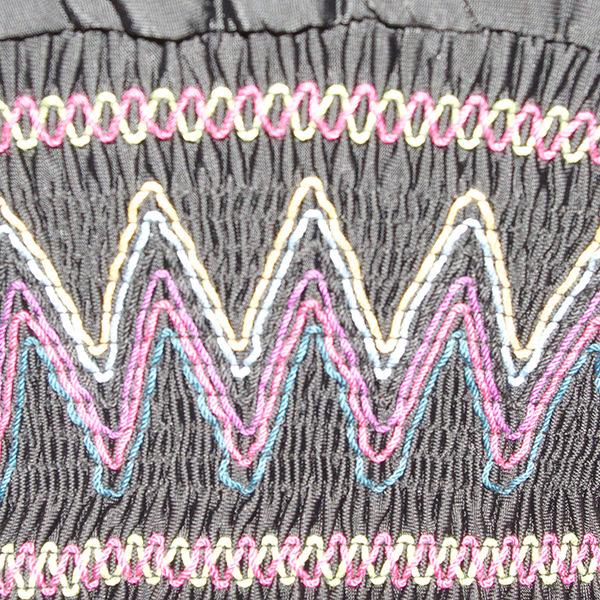 刺繍Vネックワンピース
